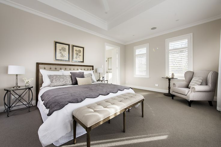 Hamptons style Master bedroom - Oswald Homes