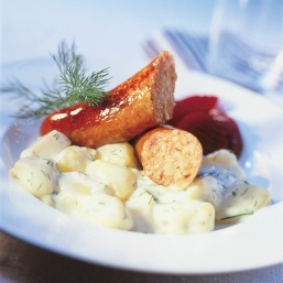 Isterband and dill stewed potatoes.
