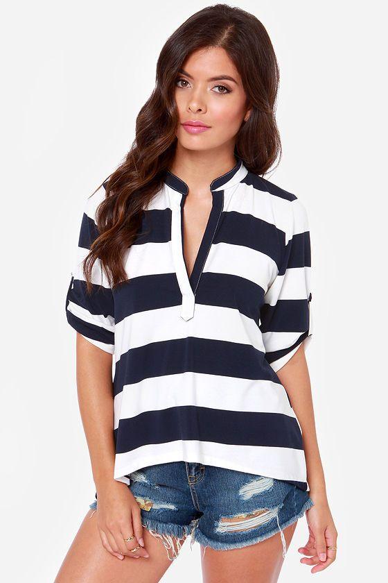 105e25d9c Lucy Love Fairbanks White and Navy Blue Striped Top at LuLus.com! $46.00 |  Style me pretty | Ropa, Moda, Combinaciones