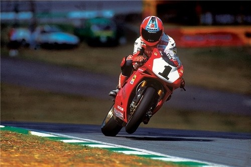 Carl Fogarty and the incredible Ducati 916.