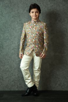 Floral printed bandhgala jacket highlighted with contrast buttons from #benzer…