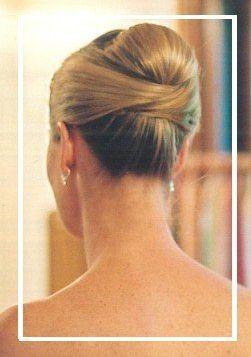 Coques passam uma elegância sem igual. #cabelo #noiva #coque #casamento #bride #wedding #hair