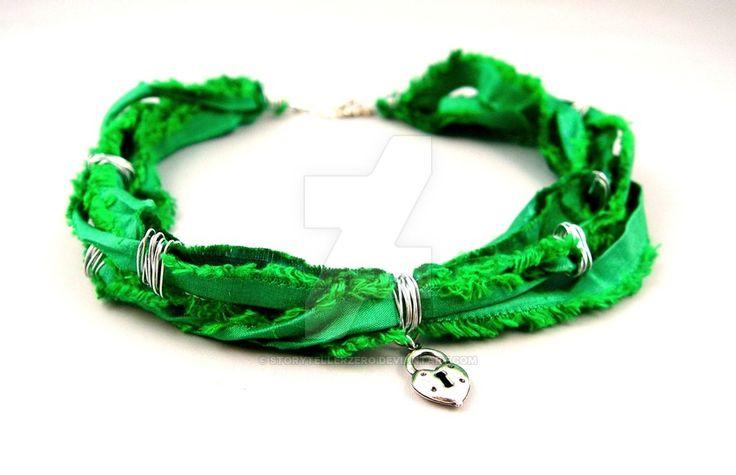 Зеленое ожерелье шелковое сердце замка StorytellerZero