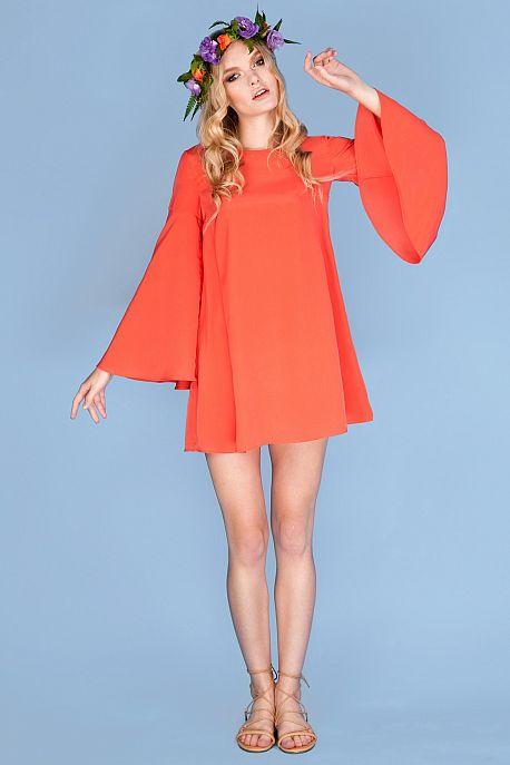 Платье с рукавами-раструбами цвета танжерин