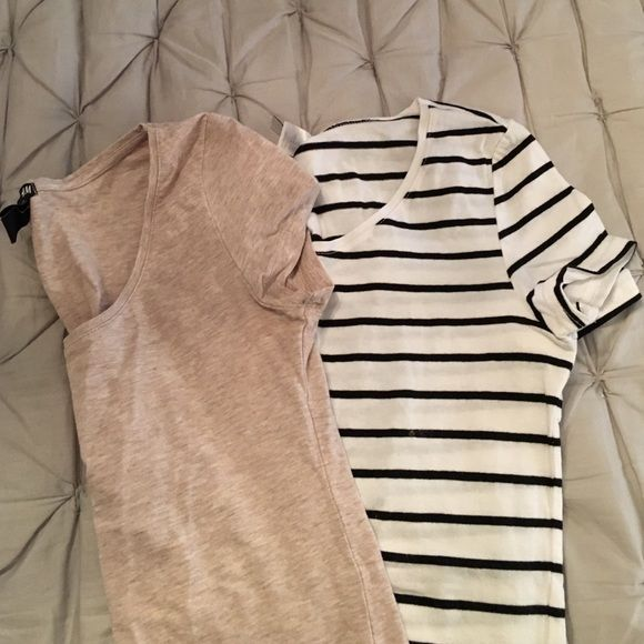 H&M Tshirt bundle 2 stretchy scoop neck tees from H&M! no damage! H&M Tops Tees - Short Sleeve