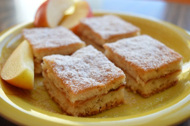 Light Apple Cake