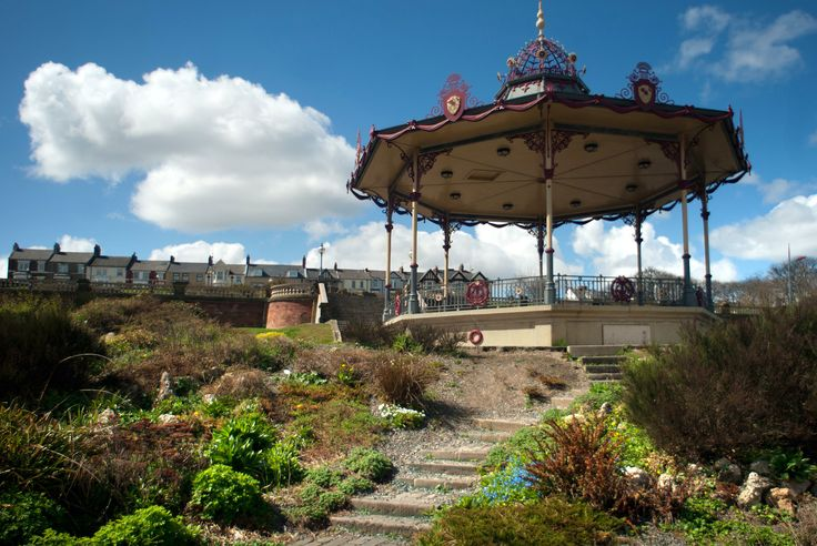 Sunny day at South Marine Park bandstand.