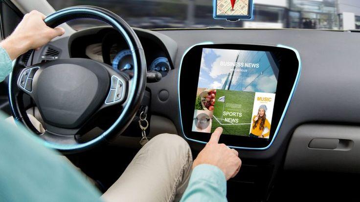 Tesla kilka miesięcy temu zapowiedziała, że wszystkie samochody tego producenta będą wyposażone w urządzenia umożliwiające autonomiczną jazdę.