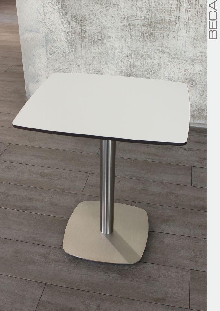 Mesa tipo pedestal. Utilización de una base ARK