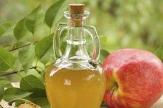 Seguramente alguna vez has oído hablar que el vinagre de manzana ayuda a adelgazar y te has preguntado si esto era del todo cierto. A continuación, en Otra Medicina te ofrecemos un completo informe para que sepas todo sobre la dieta del vinagre.Cómo funciona la dieta del vinagreEl vinagre de manzana ayuda a eliminar