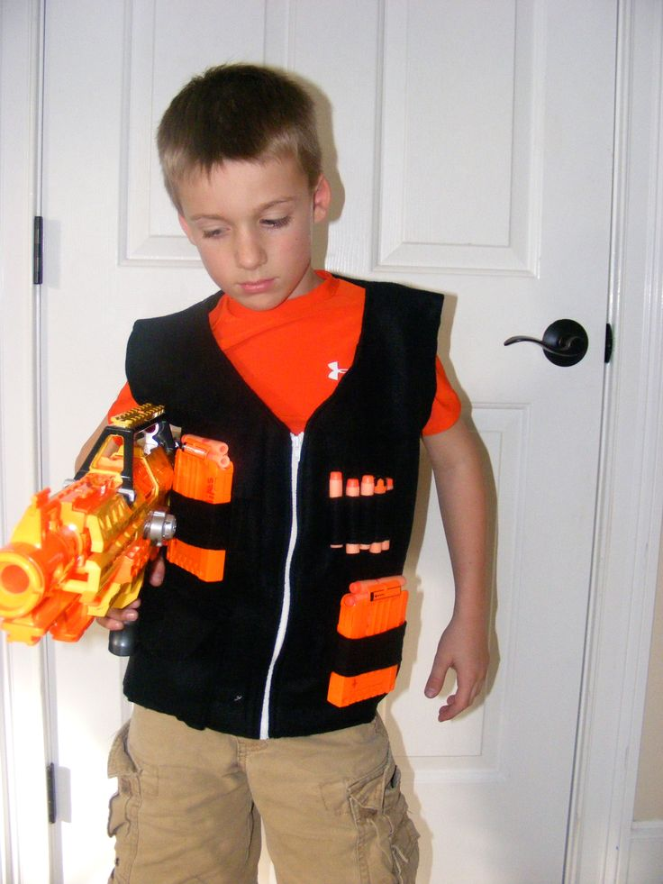 saw this and will have to try it...my boys love Nerf stuff... homemade nerf vest.