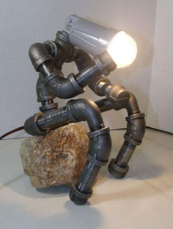 Pipe du fer industriel la penseur étagère lampe par seeyoufriday