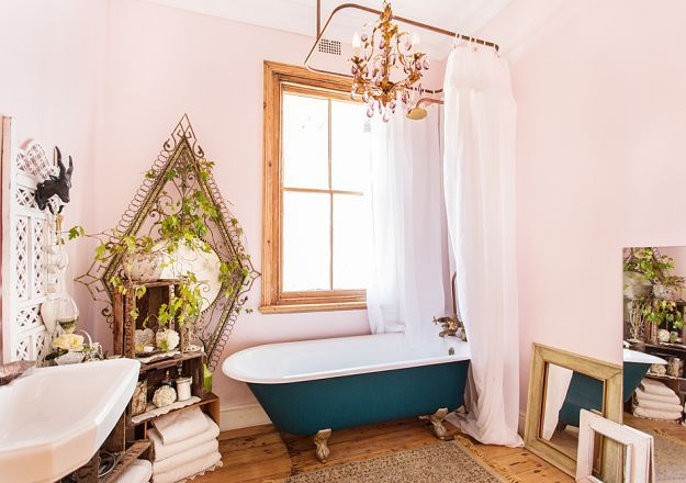Hatfield Terrace has, what we consider to be, the perfect bathroom.