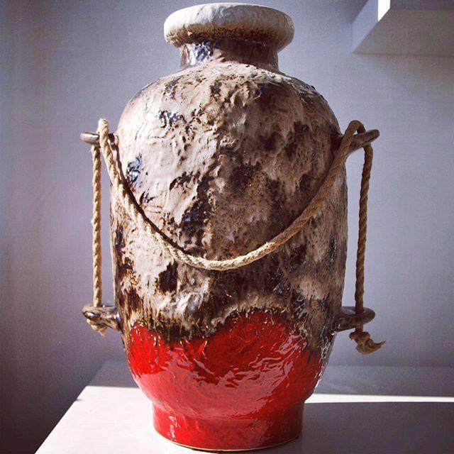 Dumler&Breiden floor vase    #dumler #breiden #dumler&breiden #floor #floorvase #XL #XLvase #red #rope #handle #ropehandle #node #ropenode #wgp #westgerman #westgermanpottery #germanpottery #german #fatlava