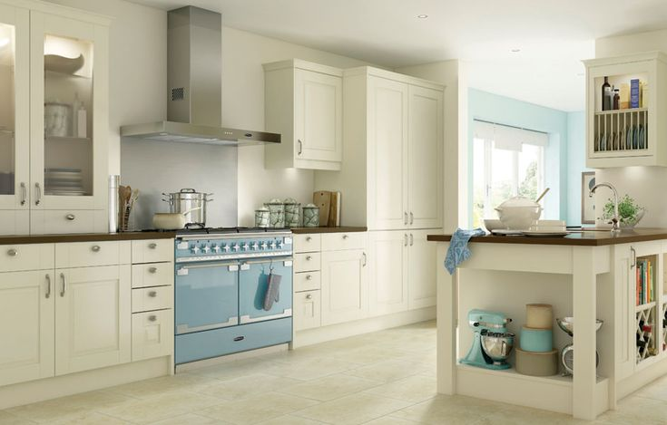 We couldn't help but share this bright and modern kitchen featuring our Elise SE in China Blue, do you love it too?