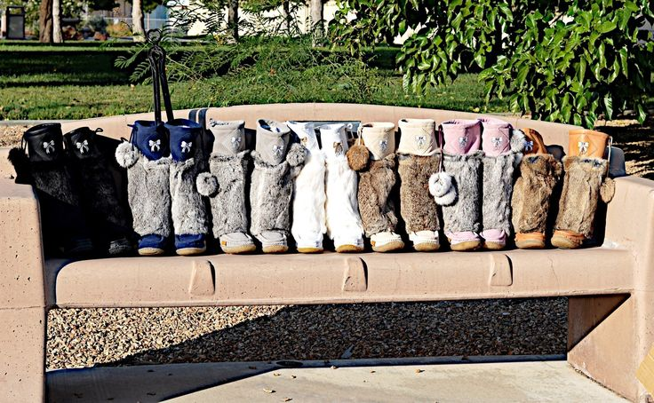 #lukluks at the park... Fashion essential.... #mukluks #bootswiththefur #fallfashion