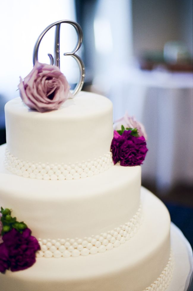simple elegant wedding cake ideas 17 best images about designer cakes weddings at cj s 19972