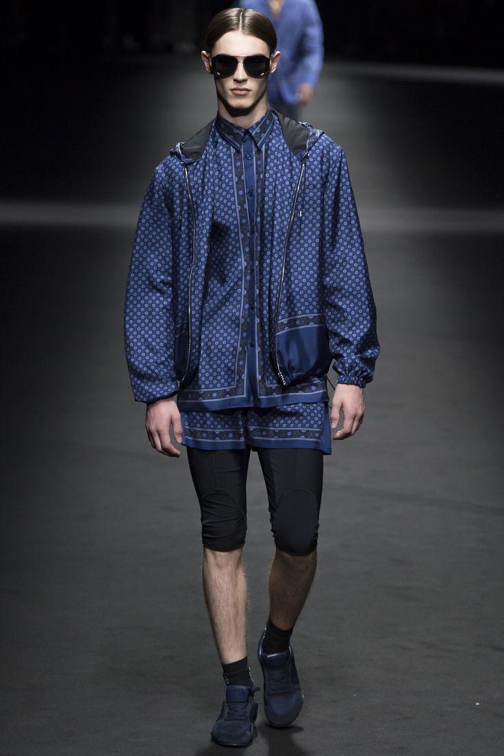 Défilé Versace Printemps-été 2017 21
