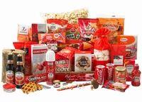 Familievuur ! Gevuld met: vuurfakkel•sterretjes•koek bedankt•honinglollie•magdalena's•suikerwafel•tortillachips•chocola•verrassingsei•popcorn•baguettes•coca cola• JP toast•biscuits•cupcake & popcakemix•meringues•kauwgomballen•doritos•borrelnootjes•nibb-its•fruitshoot•cupcake thee• truffels•pasta•strooikaas•hotdogs•leverpastei•hartige biscuits•pepsels•cereal bar•tomato frito•amstel•tomatensoep•slagroom•aardbeienjam•verpakt in feestelijke doos. aantal artikelen: 41 / € 45.00 exclusief 21%…