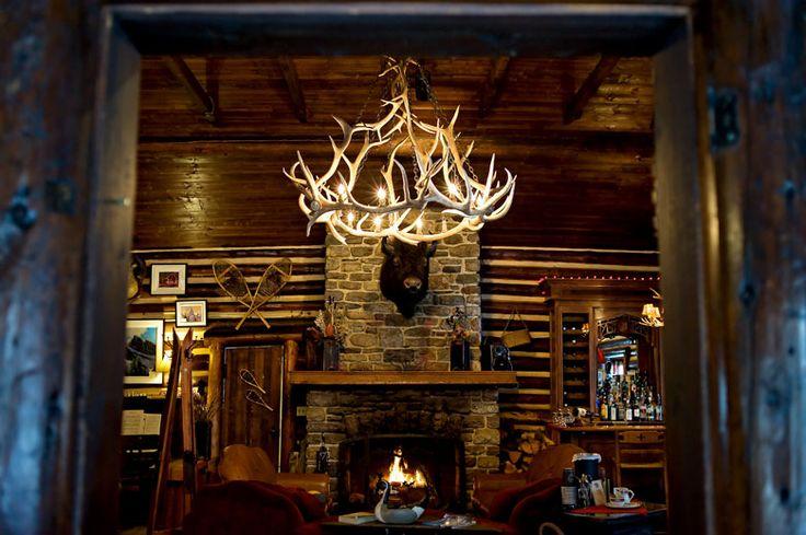Storm Mountain Lodge. Photo by Orange Girl * Banff Wedding Photographer