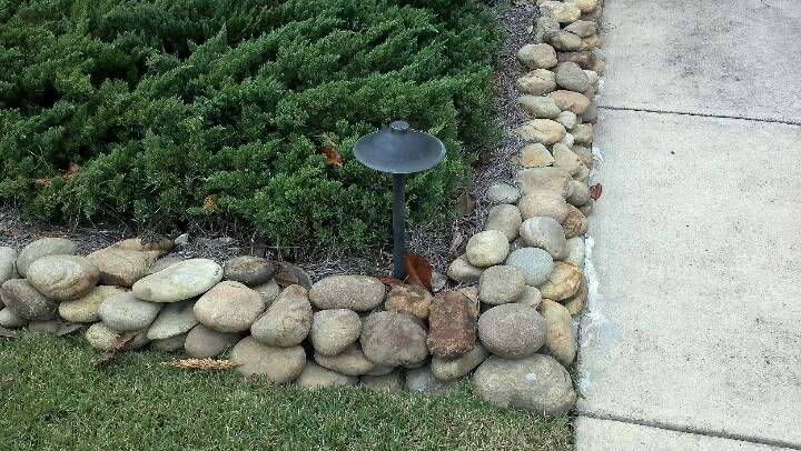 Smooth river rock edging outdoors pinterest rivers for Smooth stones for landscaping