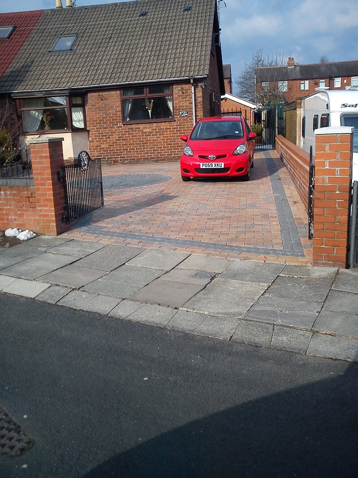 Easydriveway, northwest premier paving company ,that doesn't mean you pay over the odds,we offer paving systems that fully comply with the latest planning laws ,see the diffrence  Description  Easy driveways is the leading paving company in installing paving for the future ,  we have searched for 7 years to bring you a system that will cope with the future elliments of our country   The future in paving will have to deal with the problems not only in the past, and present.