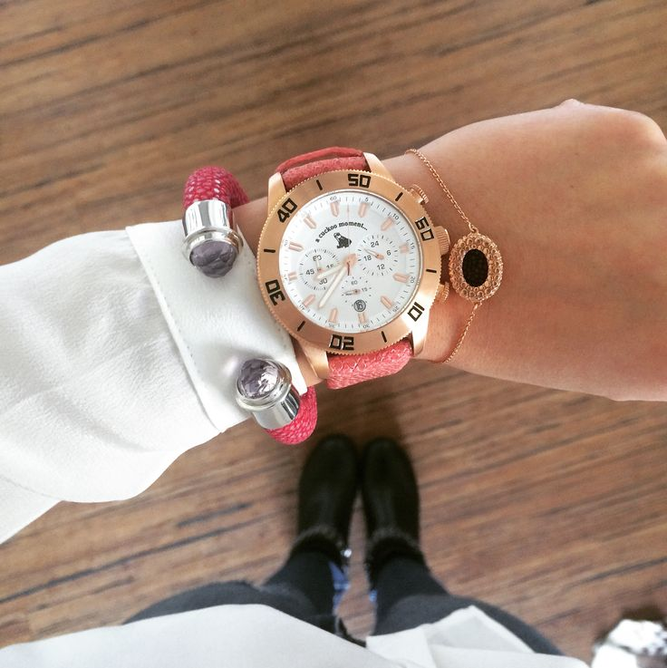 What time is it? You can see our Cuckoo Watch in pink gold plated with hot pink stingray leather plus our lipsy bracelet and the tango in fuchsia.