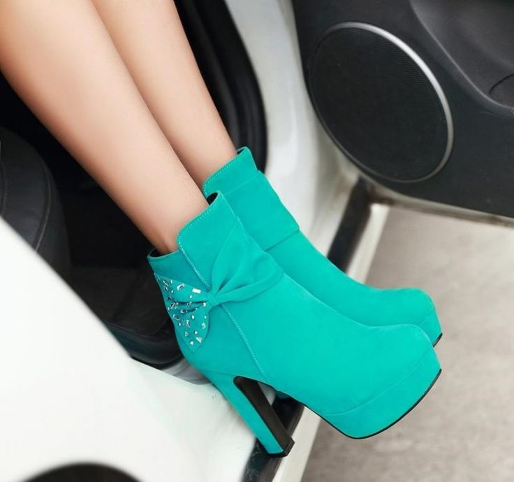 Do your eyes light up when you see a pair of divine heels? Sexy-as-hell thigh high boots perhaps? Maybe Yeezy's latest kicks really push your buttons? You are not alone! Now according to a poll conducted by a popular women's magazine, 60% of women are actually more excited by the prospect of new shoes than…
