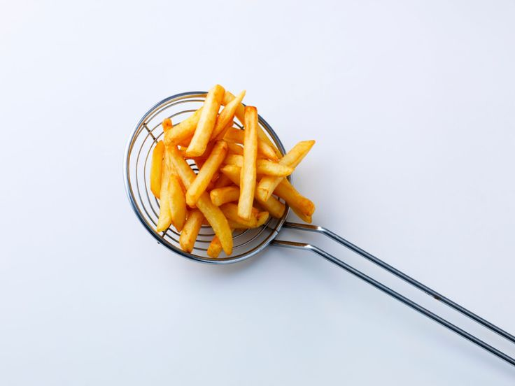 French Fries : Many restaurants and fast-food joints fry their french fries, fish, chicken and doughnuts in partially hydrogenated oils and shortenings, making these foods filled with trans fats. The FDA is considering a ban on partially hydrogenated oils, but they're still rampant in processed foods.Unless you're in New York City, Philadelphia or California, where trans fats have been banned from restaurants, there's a good chance fried foods are a source of trans fat (exception...