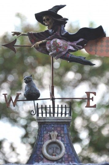 3   Witchy Weathervane Complete with Black Cat #creepycool #halloween