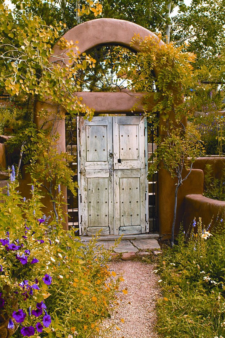 Xeriscape: The Entrance To Painter James Havardu0027s Santa Fe Gardens  Showcases The Artfulness Of Nature. Photography By Daniel Nadelbach And  Gilda Meyer  ...