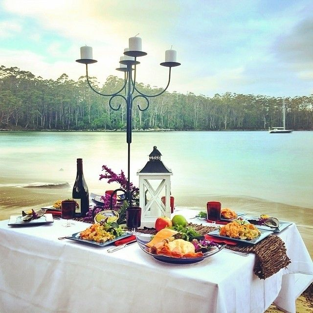 A gourmet Tassie-style picnic at Stewarts Bay on the Tasman Peninsula. Tasmania is a perfect setting to connect with friends and family over a collection of gourmet Tasmanian produce. #discovertasmania #TasmanPeninsula #RestaurantAustralia #StewartsBay #tasmania Image Credit: Paul Fleming