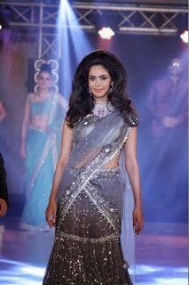 Mallika Sherawat at India Bullion and Jewellery Awards 2013.
