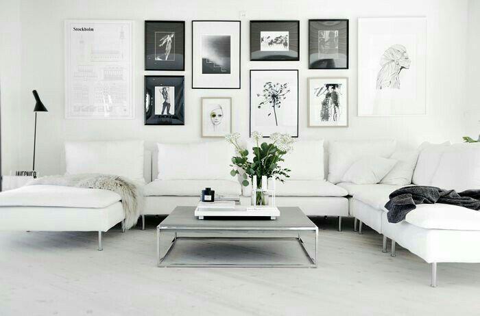 bilderna är inte mina men det vart denna soffan vi köpte. den kommer från Ikea o heter Söderhamn, Finnsta vit. vi ville egentligen ha en be
