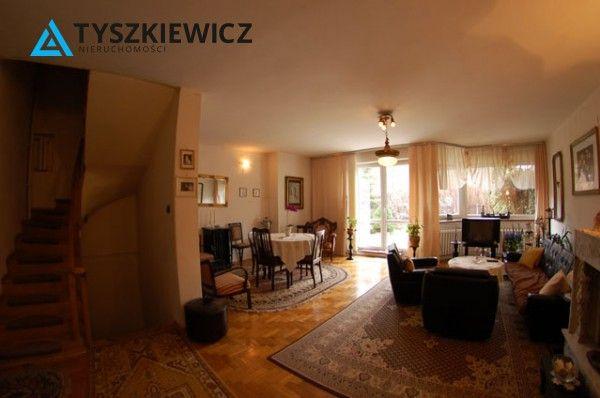 Bardzo przytulny dom w Sopocie Górnym. Bardzo atrakcyjna i spokojna lokalizacja, z każdego poziomu widok na zatokę. Na piętrze znajdują się trzy obszerne komfortowe sypialnie Poddasze stanowi otwartą przestrzeń ze skosami i pozwala na dowolną aranżację w zależności od potrzeb. :) #sopot #dom #trojmiasto #zatoka #morze CHCESZ WIEDZIEĆ WIĘCEJ? KLIKNIJ W ZDJĘCIE!