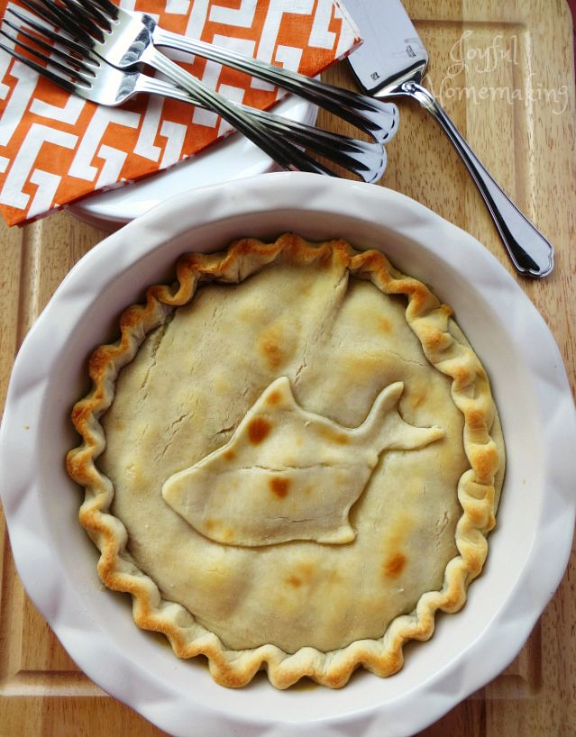 Tuna Pot Pie - Joyful Homemaking