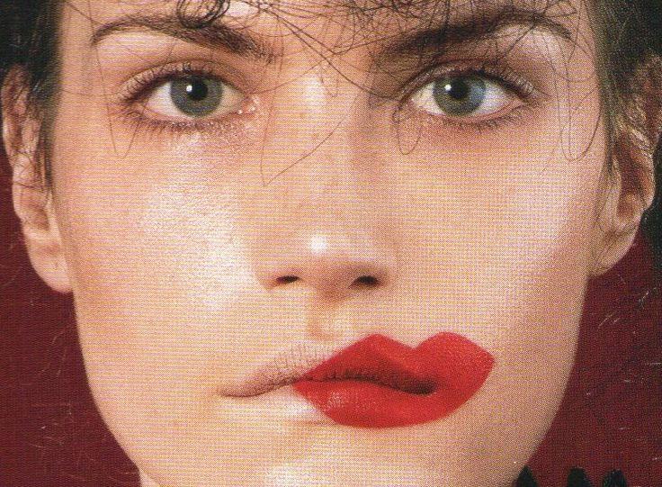 Comme des Garçons make-up