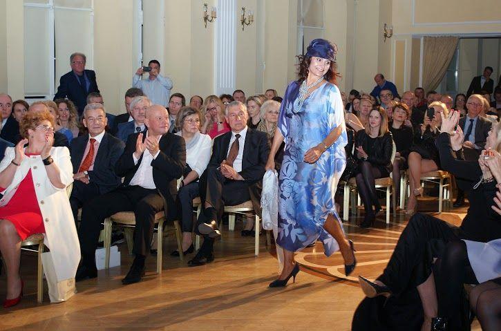 http://artimperium.pl/wiadomosci/pokaz/577,iii-gala-akademii-dobrego-stylu-gracje#.VVUXxfntmko
