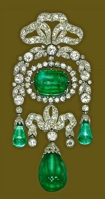 Belle Epoque brooch with magnificent colombian emeralds—Cartier