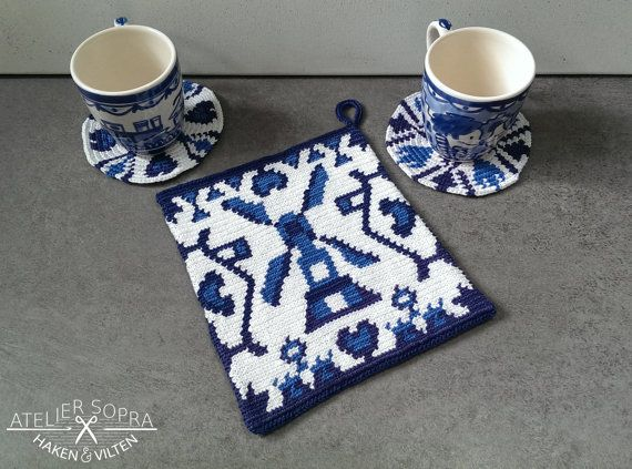 Potholder tapestry crochet pattern Delft blue by AtelierSopra