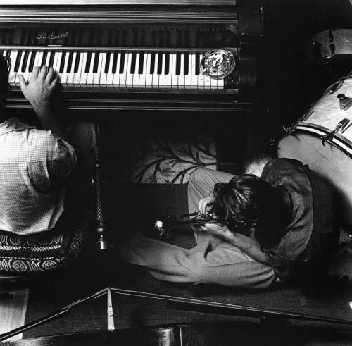 William Claxton, Chet Baker and Teddy Charles (piano), Pasadena, 1953.