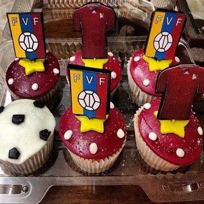 Cupcakes vinotinto