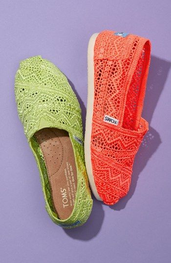 TOMS discount site. Some less than $20 OMG! Holy cow, I'm gonna love this site! How cute are these TOMS shoes them!