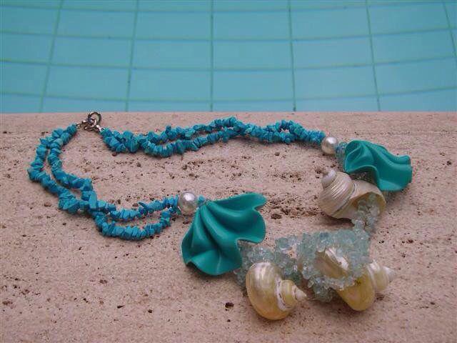 Una mia collana di turchese conchiglie e perle