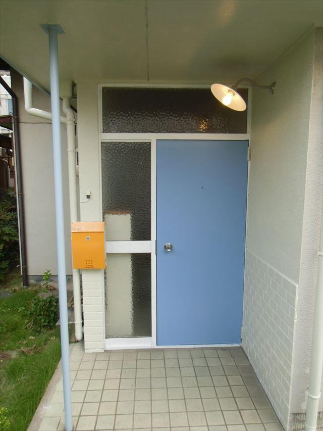 玄関ドアを塗装する・DIYリフォーム入門