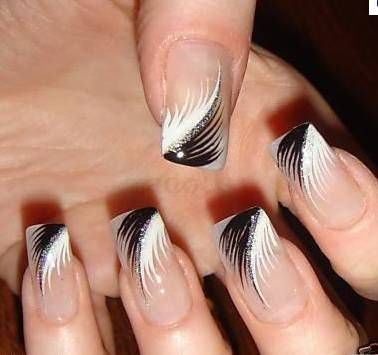 nails black and white fan