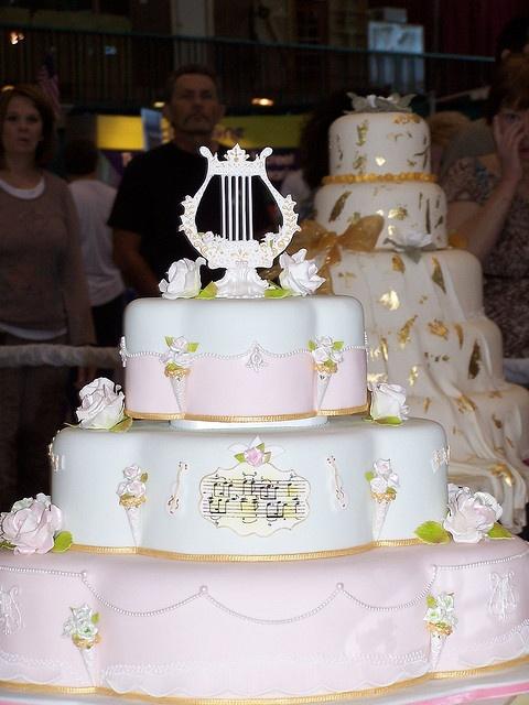 wedding cake tulsa cake show by ally cake designs via flickr wedding party cakes 3. Black Bedroom Furniture Sets. Home Design Ideas