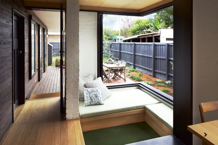 www.arcke.com.au. Caulfield Two Fold House. Window seat and snug.