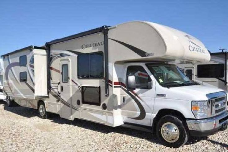 By Owner! 2018 32 ft. Thor Chateau 30D w/2 slides Thor