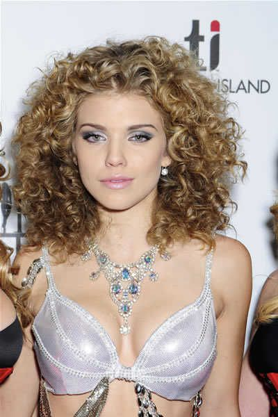 Best 25+ Really curly hair ideas only on Pinterest   Long curly ...